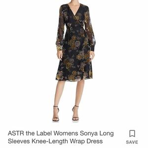 ASTR Sonya wrap dress - flowery